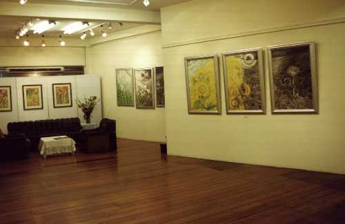 part-of-the-big-room-on-the-2nd-floor-2.jpg